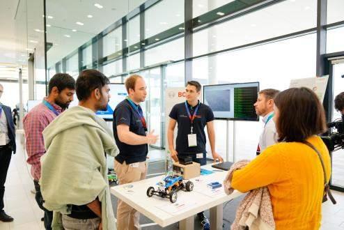 Sztucznainteligencja:Niemcyniebojąsiępracowaćzrobotami